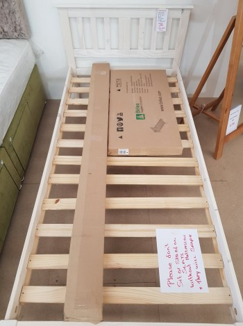 Clearance 3' Salvador Bed Frame
